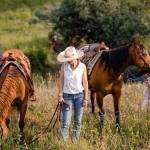horses cowgirls